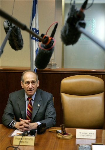 Olmert announces Sharon's demise